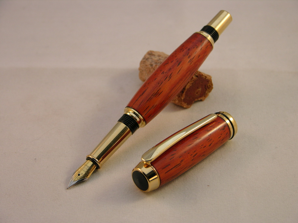 Baron fountainpen padouk 03
